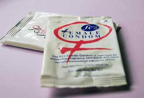 prevención del VIH - foto de condón femenino